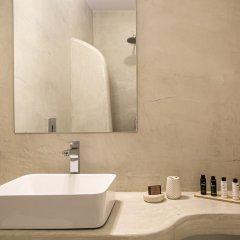 Отель Apanomeria Boutique Resident Греция, Остров Санторини - отзывы, цены и фото номеров - забронировать отель Apanomeria Boutique Resident онлайн ванная
