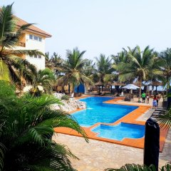 Best Western Plus Accra Beach Hotel бассейн