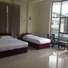 Lashio Galaxy Hotel комната для гостей фото 2