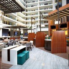 Отель The District by Hilton Club гостиничный бар