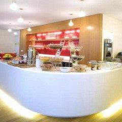 Отель La Cour Des Augustins Boutique Gallery Design Hotel Швейцария, Женева - отзывы, цены и фото номеров - забронировать отель La Cour Des Augustins Boutique Gallery Design Hotel онлайн питание фото 2