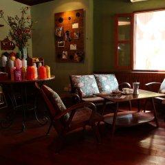 Отель Cafe de Laos Inn интерьер отеля