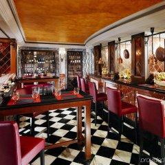 Отель The Westin Europa & Regina гостиничный бар