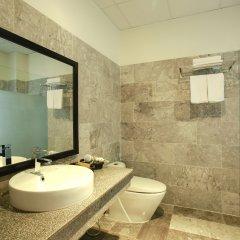 Отель Hoi An Red Frangipani Villa ванная фото 2