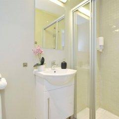 Отель Ellingsens Pensjonat Норвегия, Осло - отзывы, цены и фото номеров - забронировать отель Ellingsens Pensjonat онлайн ванная