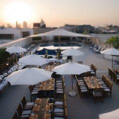 Отель Movenpick Hotel & Apartments Bur Dubai ОАЭ, Дубай - отзывы, цены и фото номеров - забронировать отель Movenpick Hotel & Apartments Bur Dubai онлайн балкон
