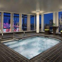 Отель Hampton Inn and Suites by Hilton, Downtown Vancouver Канада, Ванкувер - отзывы, цены и фото номеров - забронировать отель Hampton Inn and Suites by Hilton, Downtown Vancouver онлайн бассейн