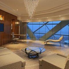 Отель Andaz Capital Gate Abu Dhabi - A Concept By Hyatt Абу-Даби комната для гостей фото 5
