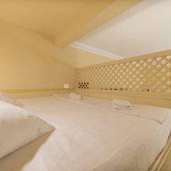 Отель Ara Pacis Elegant Flat сейф в номере