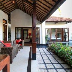 Отель Aleesha Villas балкон