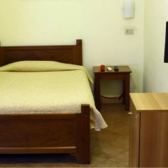 Hotel Tonic сейф в номере