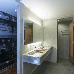 Siam Mitr Hostel Бангкок ванная