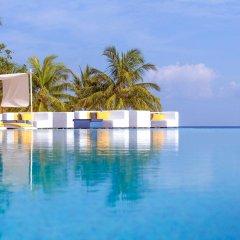 Отель Coco Bodu Hithi бассейн