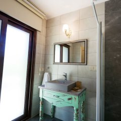 Belizi Hotel Турция, Урла - отзывы, цены и фото номеров - забронировать отель Belizi Hotel онлайн ванная фото 2
