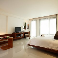 Отель La Flora Resort Patong Пхукет комната для гостей фото 2
