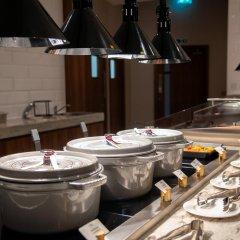 Отель Crowne Plaza London Heathrow T4 Великобритания, Лондон - отзывы, цены и фото номеров - забронировать отель Crowne Plaza London Heathrow T4 онлайн питание