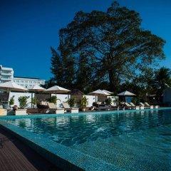 Queenco Hotel & Casino бассейн фото 2