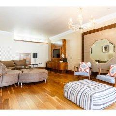 Отель Rare and Gorgeous Hyde Park Mews House Sleeps 8 комната для гостей фото 5