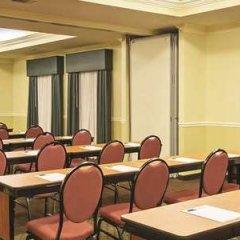 Отель La Quinta Inn & Suites Covington фото 2
