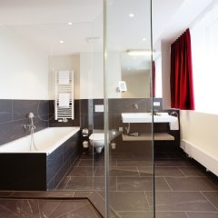 Отель Vienna House Easy München ванная фото 2
