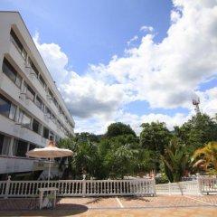 Hotel Del Llano парковка