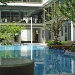 Отель Ideo Mobi Rama 9 By Private Stay Таиланд, Бангкок - отзывы, цены и фото номеров - забронировать отель Ideo Mobi Rama 9 By Private Stay онлайн бассейн фото 2