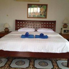 Отель Elephant Guesthouse Паттайя сейф в номере
