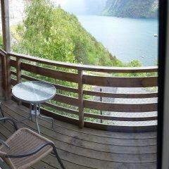 Отель Hellesylt Motel og hostel Норвегия, Странда - отзывы, цены и фото номеров - забронировать отель Hellesylt Motel og hostel онлайн балкон