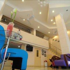 Bed by Tha-Pra Hotel and Apartment интерьер отеля