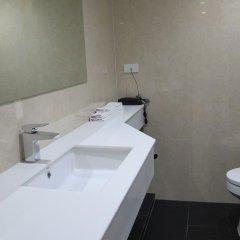 Отель Two Three Mansion Бангкок ванная фото 2