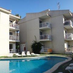 Отель Apartamentos Llevant бассейн фото 3