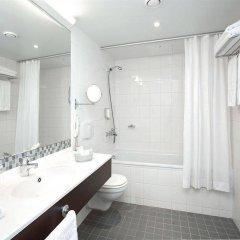 Отель Radisson Blu Hotel Lietuva Литва, Вильнюс - 5 отзывов об отеле, цены и фото номеров - забронировать отель Radisson Blu Hotel Lietuva онлайн ванная фото 2