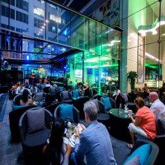 Отель Novotel Bangkok Ploenchit Sukhumvit гостиничный бар