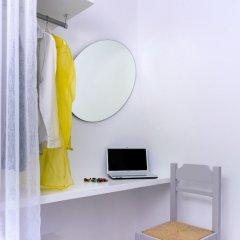 Отель Bay Bees Sea view Suites & Homes сейф в номере