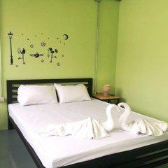 Samsen 8 Hostel Бангкок комната для гостей фото 3