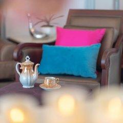Апартаменты Antique Palace Apartment Бангкок гостиничный бар
