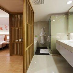 Отель Glow Pratunam Бангкок ванная