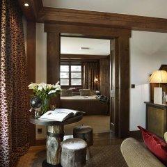 Отель Hôtel Barmes de L'Ours комната для гостей