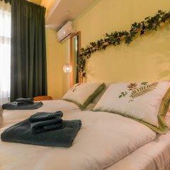 Отель FM Luxury 1-BDR Apartment - Sofia Dream Jungle Болгария, София - отзывы, цены и фото номеров - забронировать отель FM Luxury 1-BDR Apartment - Sofia Dream Jungle онлайн комната для гостей фото 3