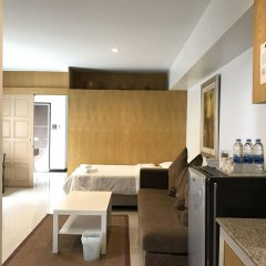 Отель Ratchadamnoen Residence Бангкок комната для гостей фото 3