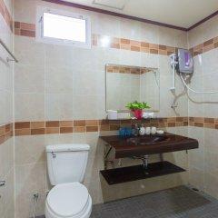 Отель Patong Rai Rum Yen Resort ванная фото 2