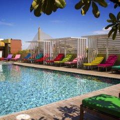 Nouvo City Hotel бассейн