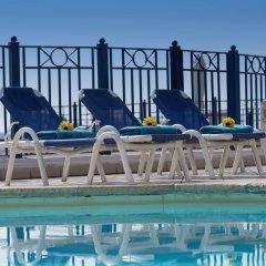 Отель The Waterfront Hotel Мальта, Гзира - отзывы, цены и фото номеров - забронировать отель The Waterfront Hotel онлайн бассейн фото 2