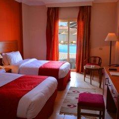 Отель Hawaii Riviera Club Aqua Park Resort - Families and Couples only комната для гостей