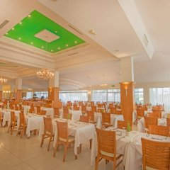 Dome Beach Hotel and Resort питание