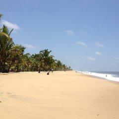 Отель Kahuna Hotel Шри-Ланка, Галле - 1 отзыв об отеле, цены и фото номеров - забронировать отель Kahuna Hotel онлайн пляж фото 2