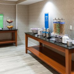 Отель Hampton Inn & Suites Tulare спа