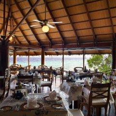 Отель Gangehi Island Resort питание фото 3