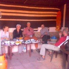Отель Atallahs Camp гостиничный бар