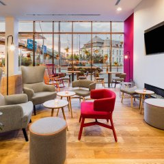 Отель Vienna House Easy Pilsen Чехия, Пльзень - 3 отзыва об отеле, цены и фото номеров - забронировать отель Vienna House Easy Pilsen онлайн гостиничный бар